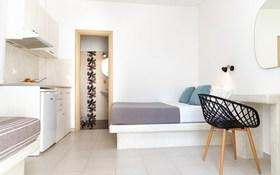 Renata Luxury Apartments Naxos Castle