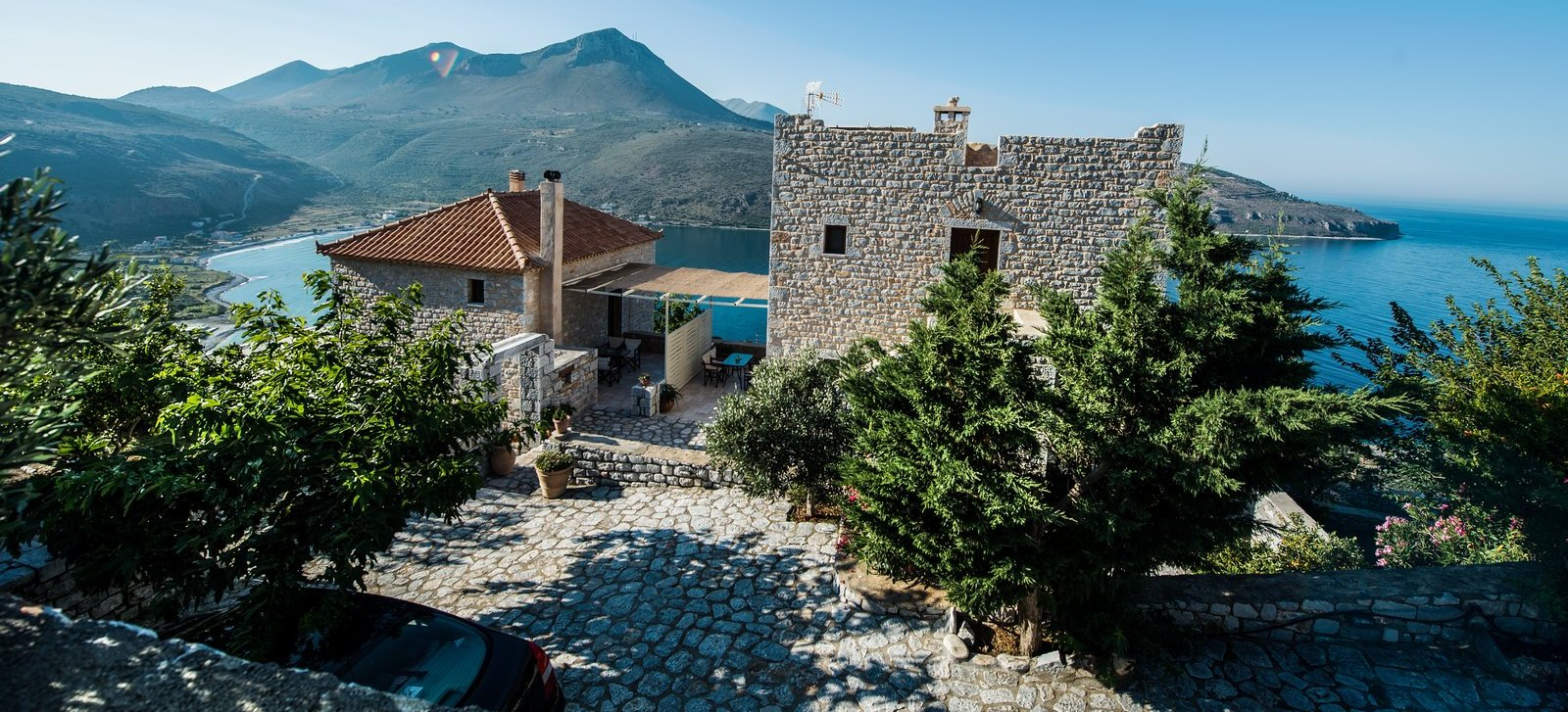Akrolithi Guesthouse