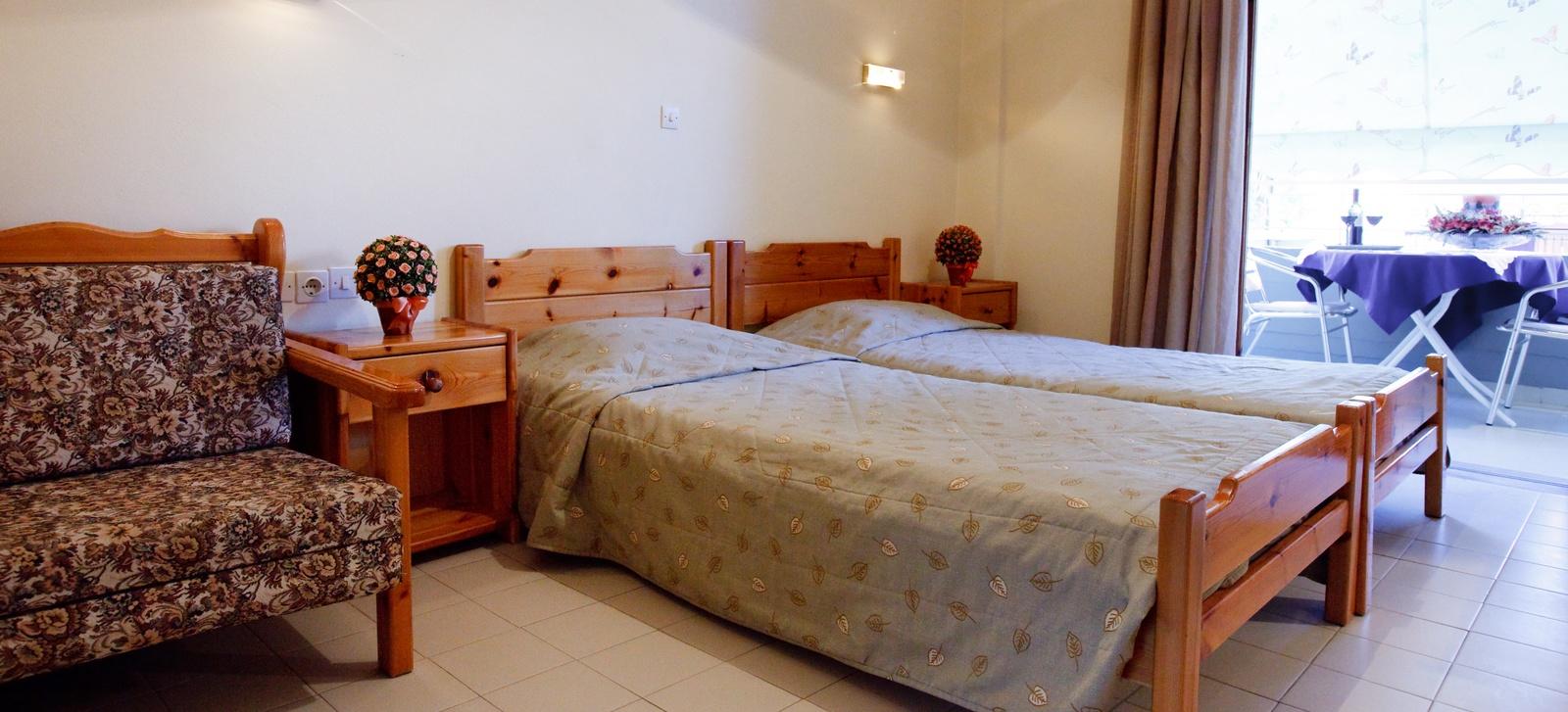 Angelos Apartments