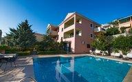 Pirofani Villa Apartments