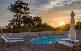 Arktos Sunset Villa